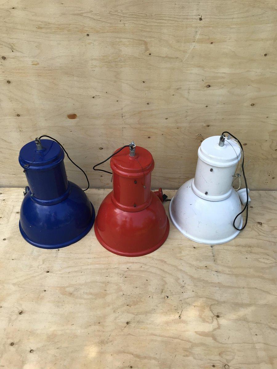 Italienische industrielle Vintage Hängelampen, 3er Set