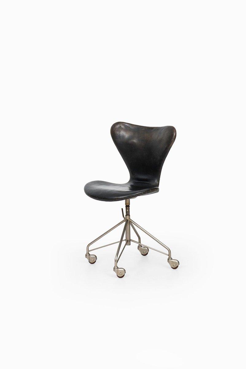 Chaise De Bureau Modele 3117 Par Arne Jacobsen Pour Fritz Hansen