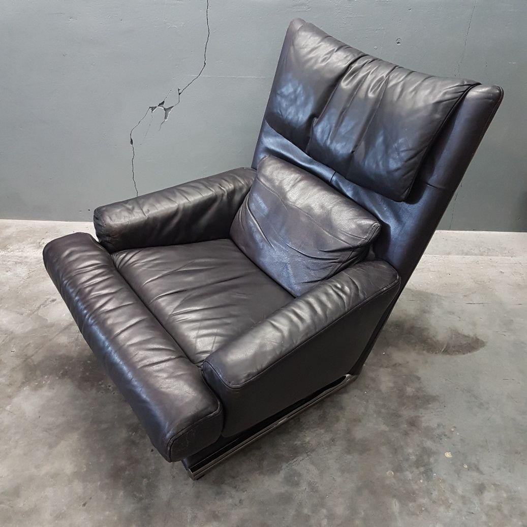 leder sessel mit fu hocker von rolf benz 1980er bei. Black Bedroom Furniture Sets. Home Design Ideas