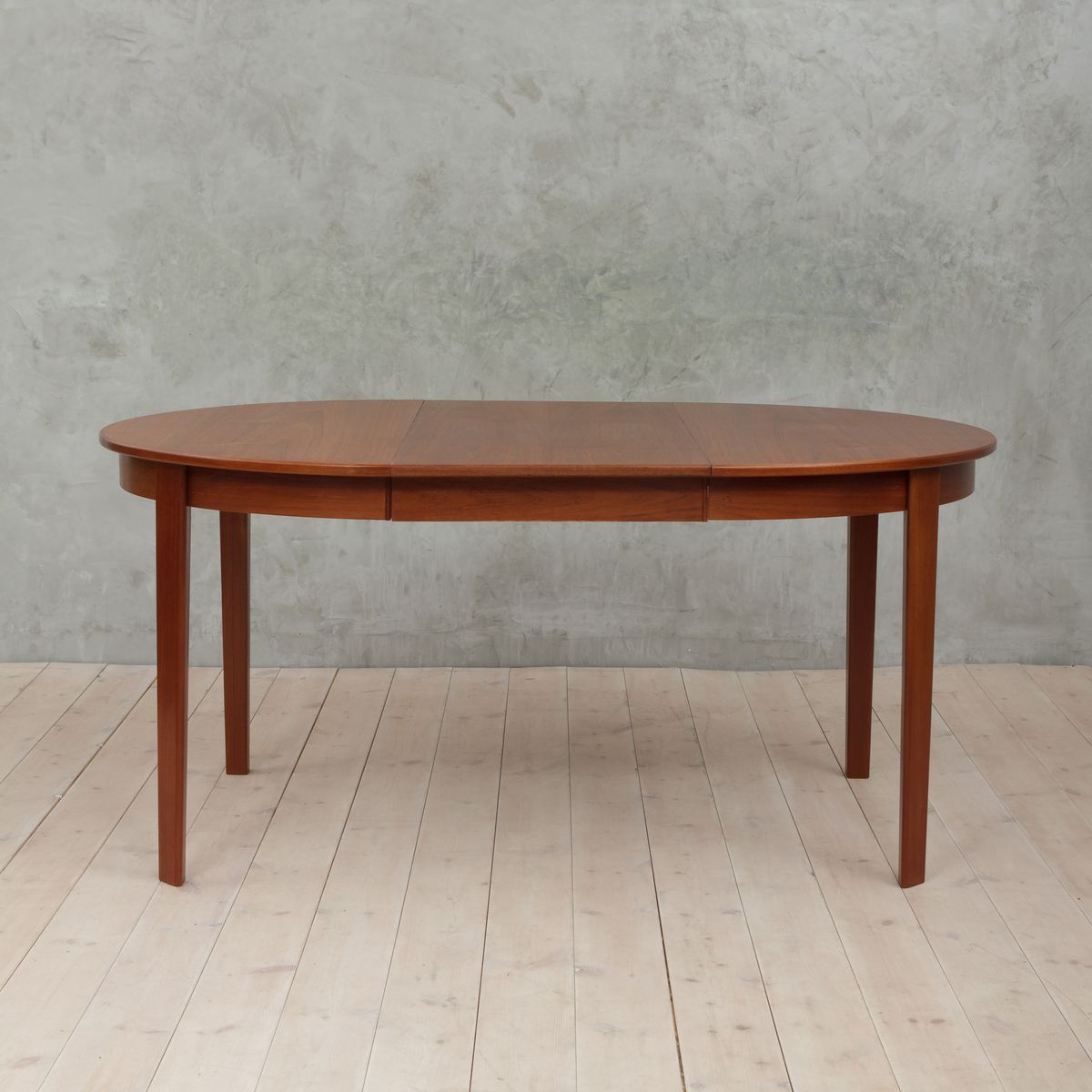 Danish Round Extendable Teak Table 1960s
