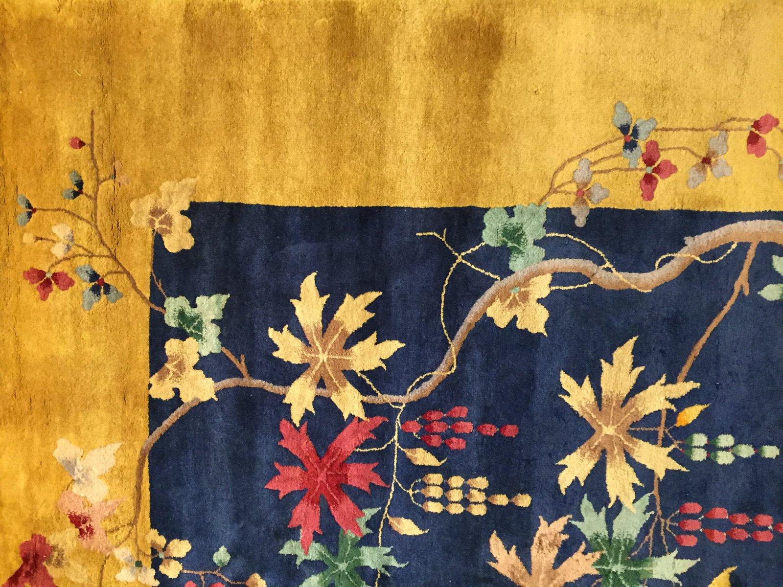floraler chinesischer art deco teppich mit gelbem rand 1920er bei pamono kaufen. Black Bedroom Furniture Sets. Home Design Ideas