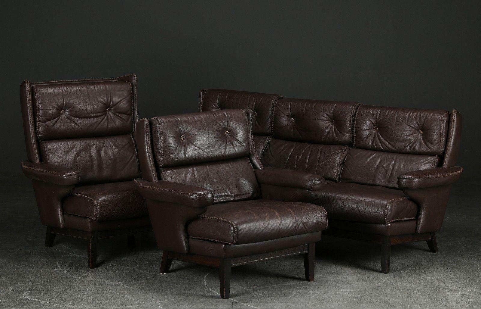 3-Sitzer Sofa und zwei Armlehnstühle aus braunem Leder, 1970er