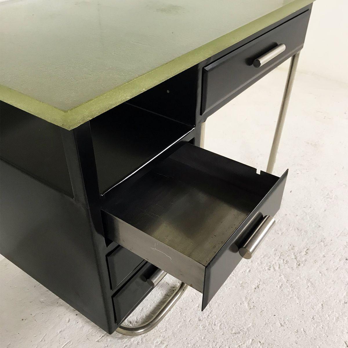 schreibtisch aus schwarz lackiertem metall mit dicker glasplatte 1930er bei pamono kaufen. Black Bedroom Furniture Sets. Home Design Ideas