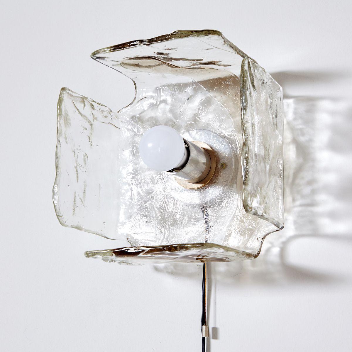 Wandlampe aus strukturiertem Glas von Kalmar, 1960er