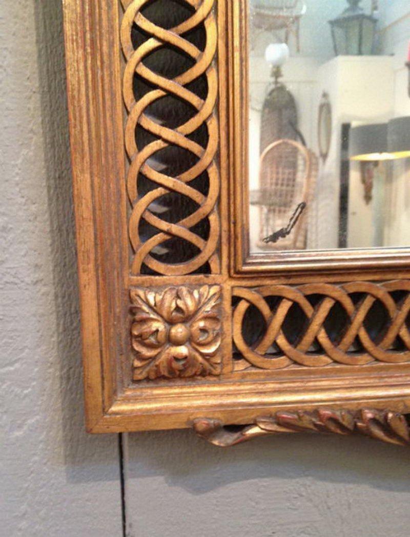 spiegel mit geschnitztem vergoldetem holzrahmen 1920er. Black Bedroom Furniture Sets. Home Design Ideas