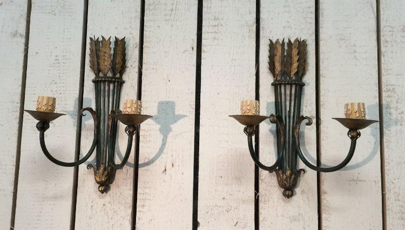 Applique da parete in ferro battuto anni 40 set di 2 in vendita