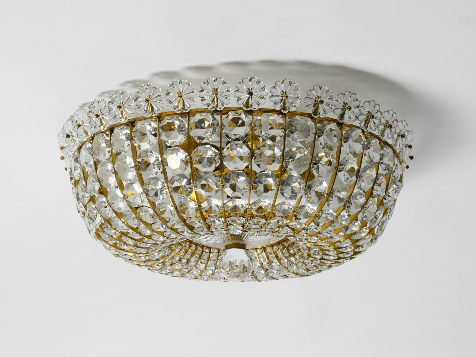Mid-Century Modern Deckenlampe mit Glassteinen und Messingrahmen von V...