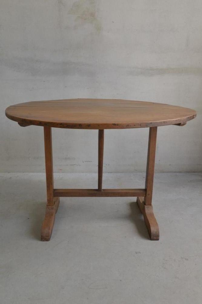Antiker französische Weinprobe Tisch