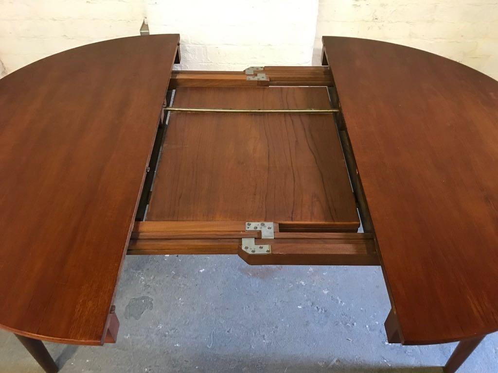 d nischer runder ausziehbarer vintage esstisch von frem rojle bei pamono kaufen. Black Bedroom Furniture Sets. Home Design Ideas