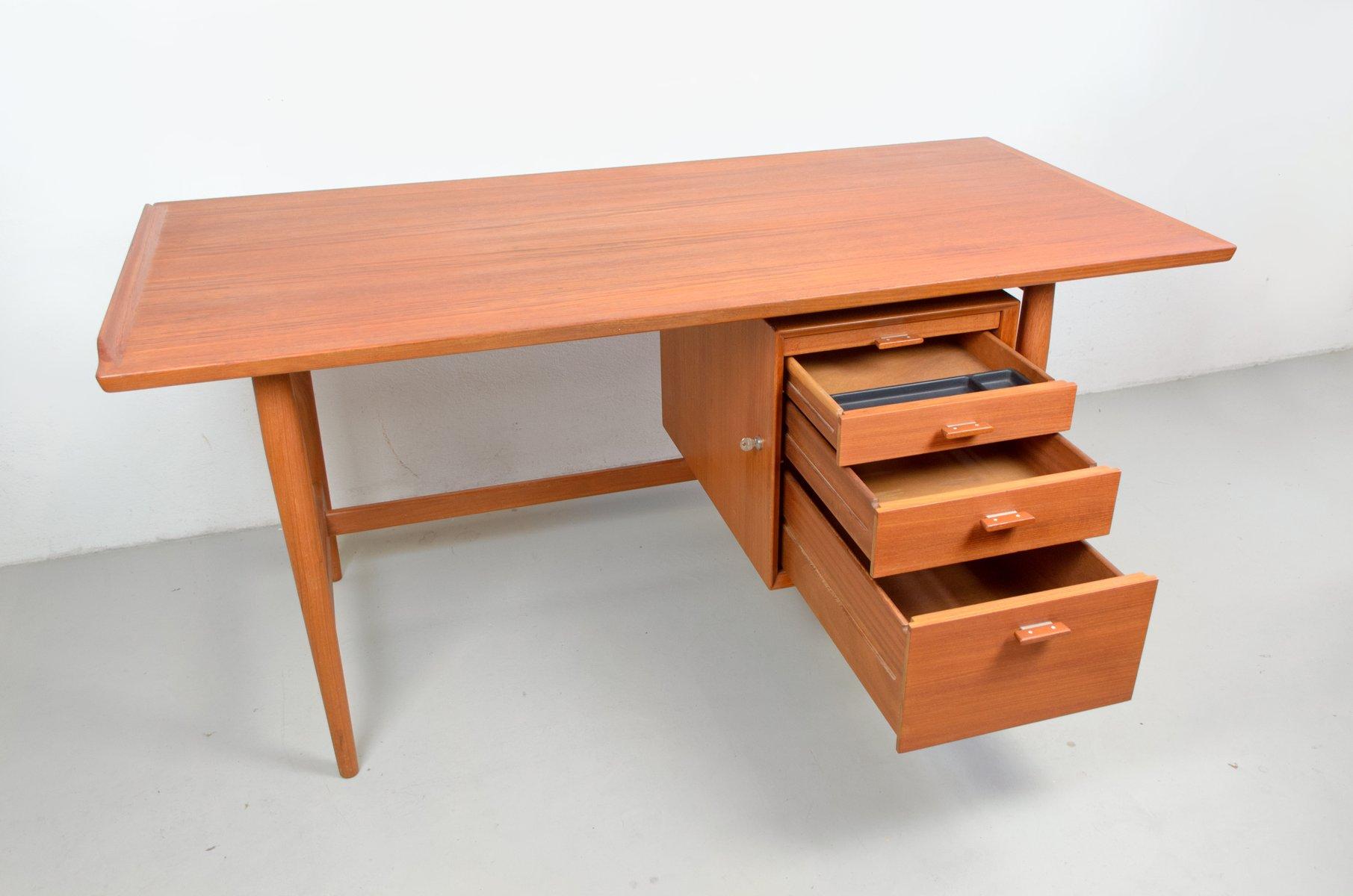 mid century teak schreibtisch von arne vodder f r sibast 1960er bei pamono kaufen. Black Bedroom Furniture Sets. Home Design Ideas
