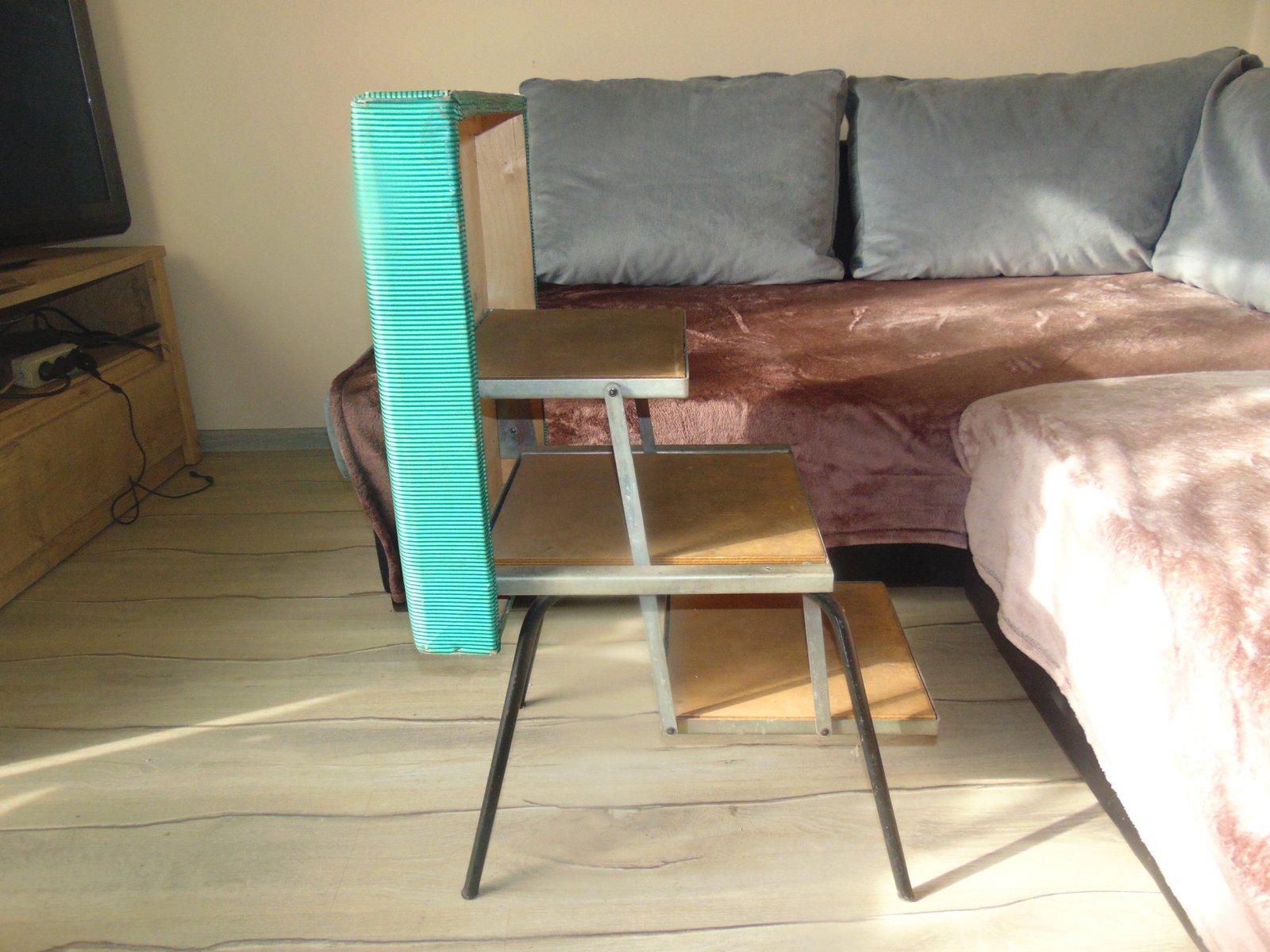 Sgabello vintage industriale con scaletta in vendita su pamono