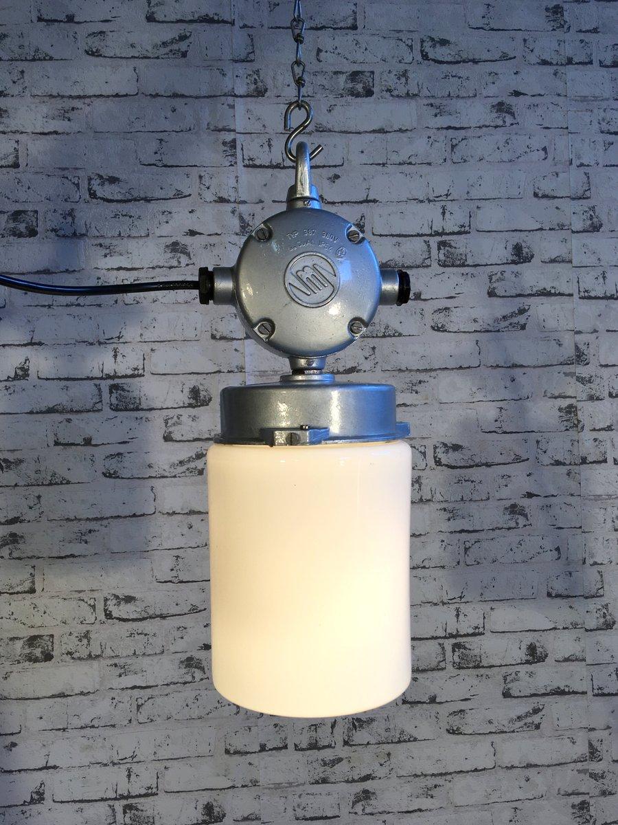 industrielle vintage aluminum lampe mit milchglas 1970er. Black Bedroom Furniture Sets. Home Design Ideas