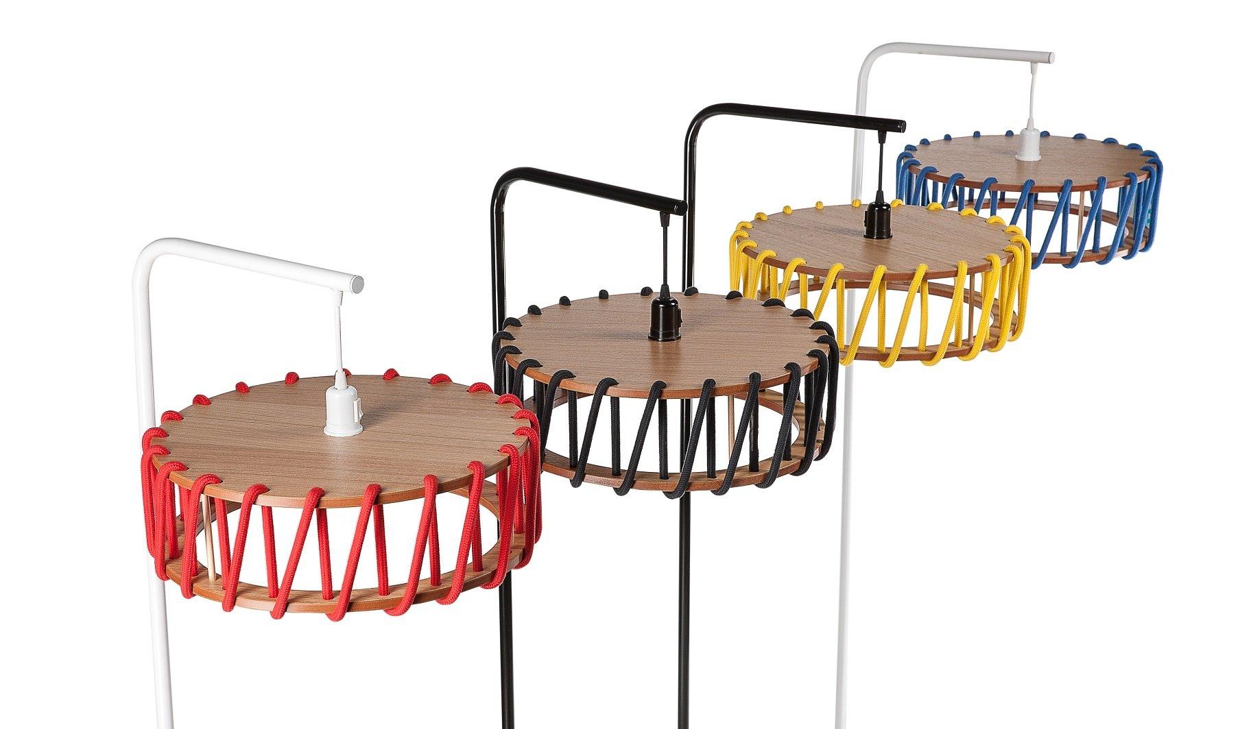 schwarze macaron stehlampe mit kleinem roten schirm von silvia ce al f r emko bei pamono kaufen. Black Bedroom Furniture Sets. Home Design Ideas