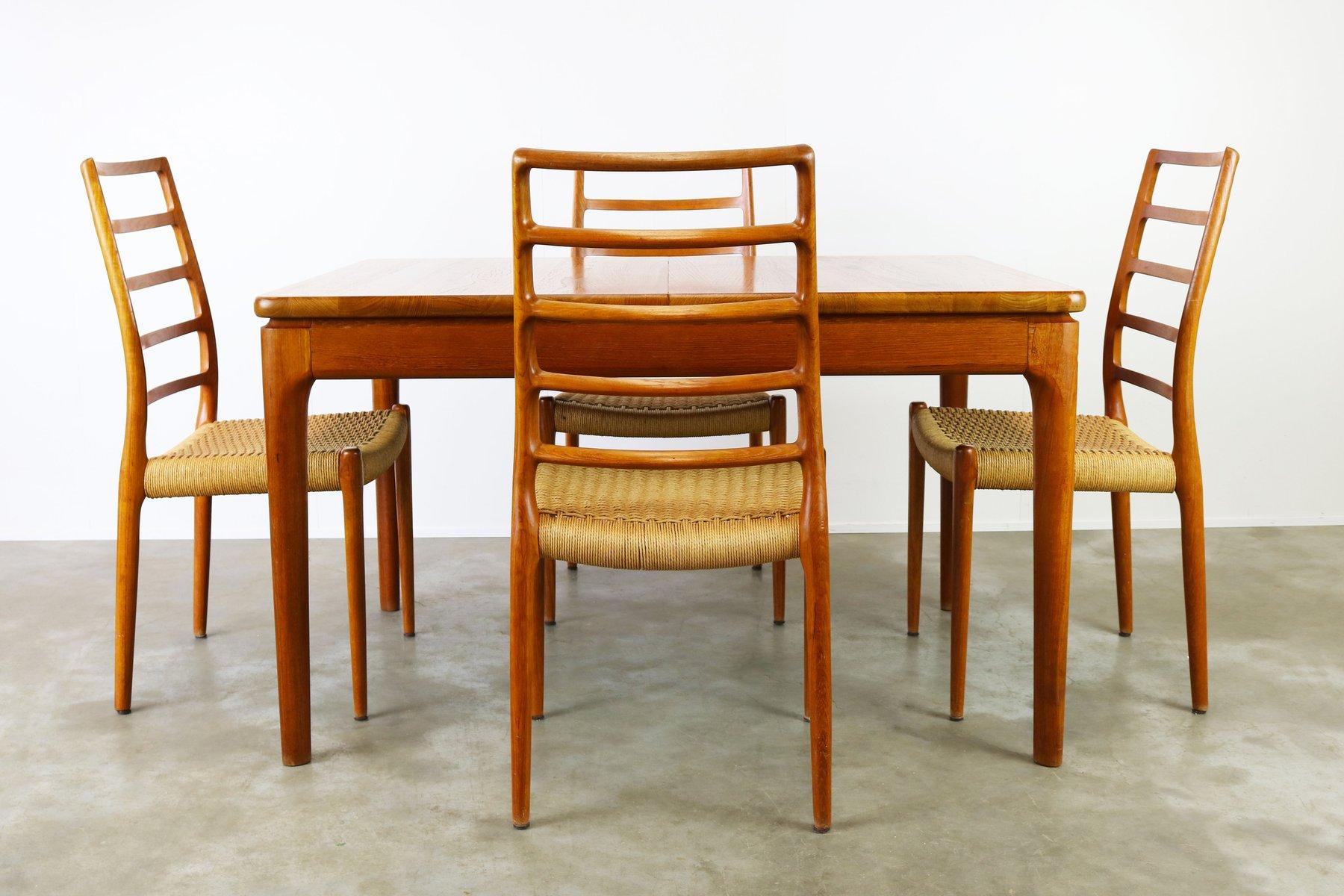 Modell 82 Stühle von Niels Otto Møller mit Esstisch von Glostrup, 1950...