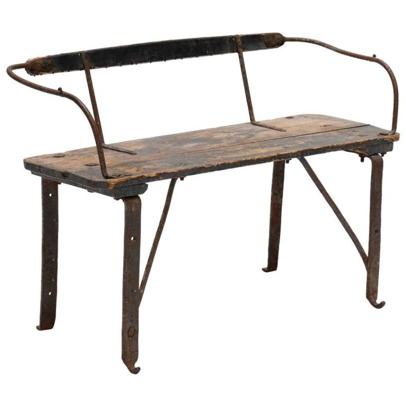 Panca da treno antica in ferro e legno in vendita su Pamono