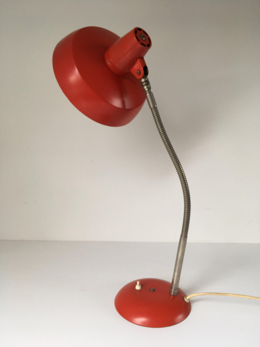lampe de bureau rouge industrielle vintage de sis 1950s en vente sur pamono. Black Bedroom Furniture Sets. Home Design Ideas