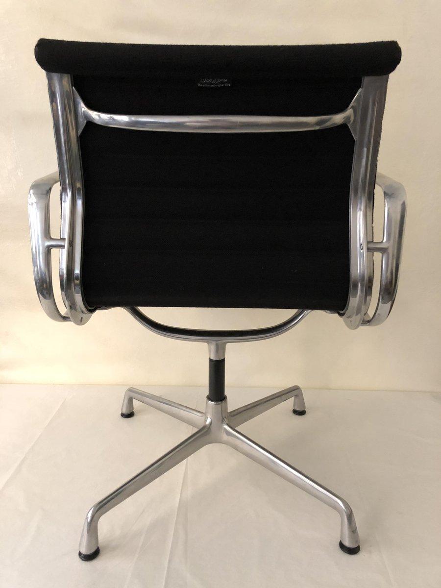 ea 108 aluminium stuhl von charles eames f r vitra 1980er bei pamono kaufen. Black Bedroom Furniture Sets. Home Design Ideas