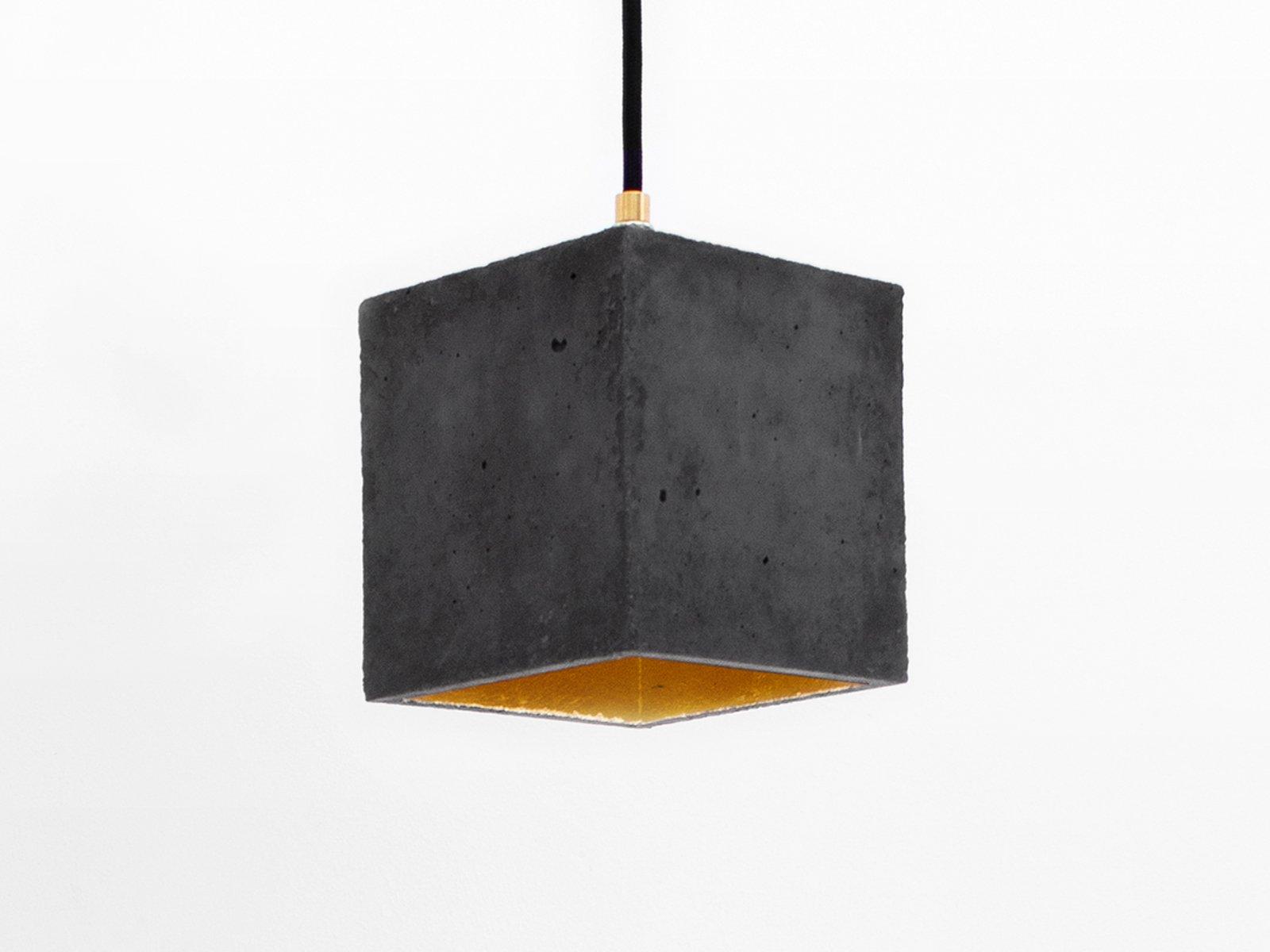 [B1] Hängelampe aus dunklem Beton & Gold in Würfelform von Stefan Gant...