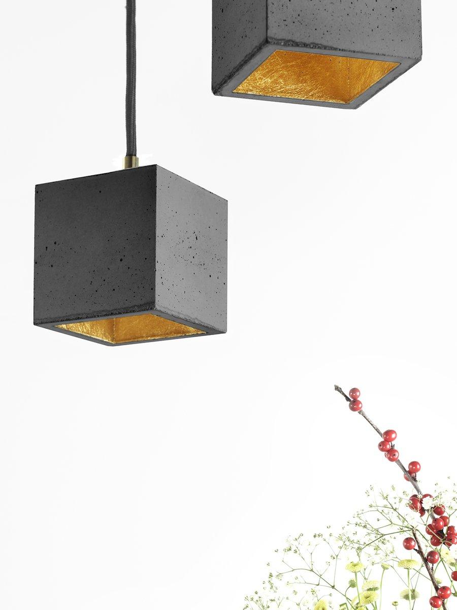 Würfelform [B6] Hängelampe aus dunklem Beton & Gold von Stefan Gant fü...