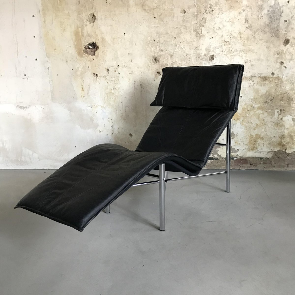vintage model skye chaise lounge by tord bjorklund for ikea 1980s for sale at pamono. Black Bedroom Furniture Sets. Home Design Ideas