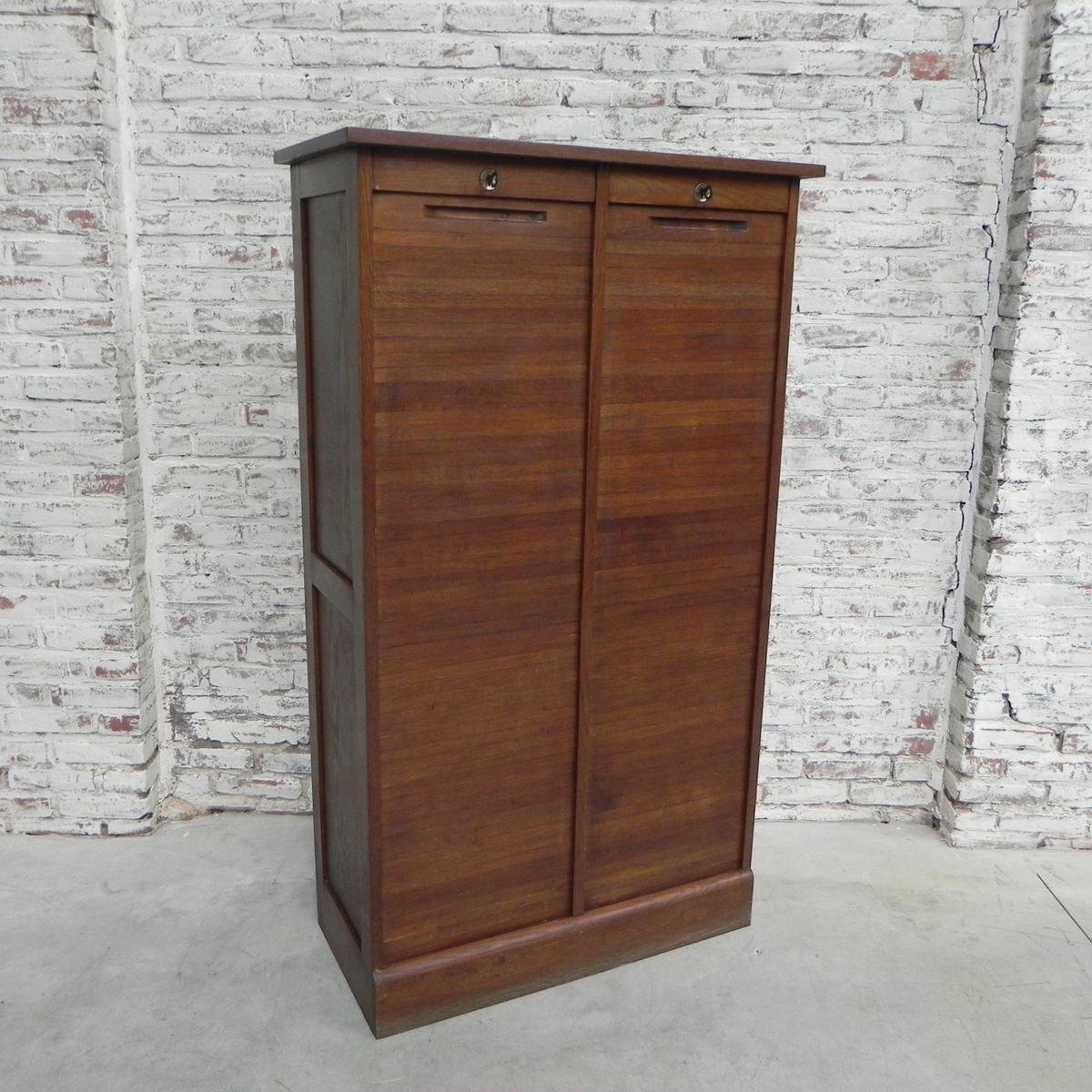 eichenholz schrank mit 2 rollt ren 1950er bei pamono kaufen. Black Bedroom Furniture Sets. Home Design Ideas