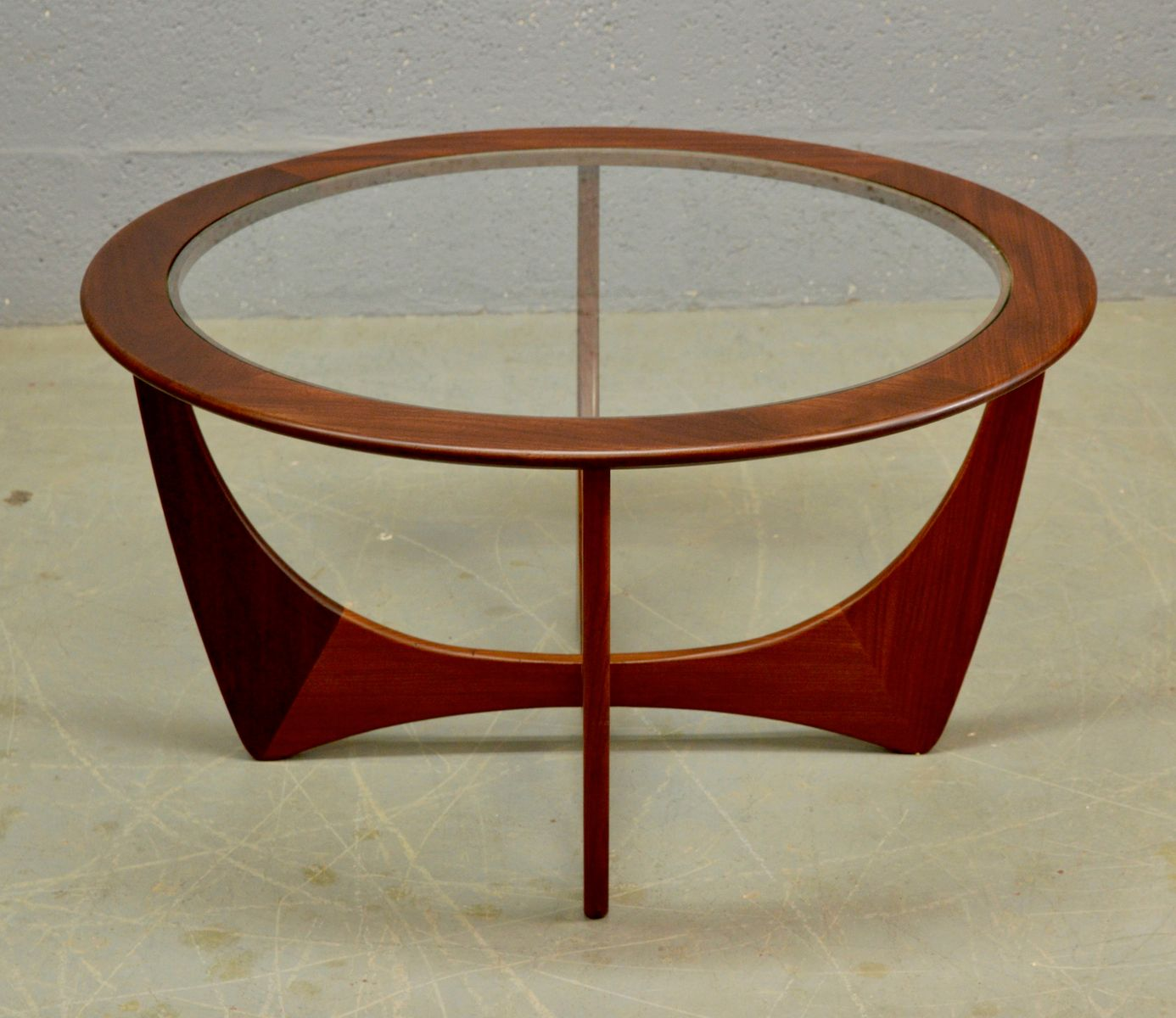 Mid-Century Round Teak Astro Coffee Table By Victor