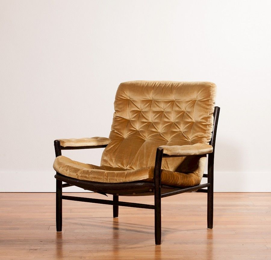 Goldener Sessel