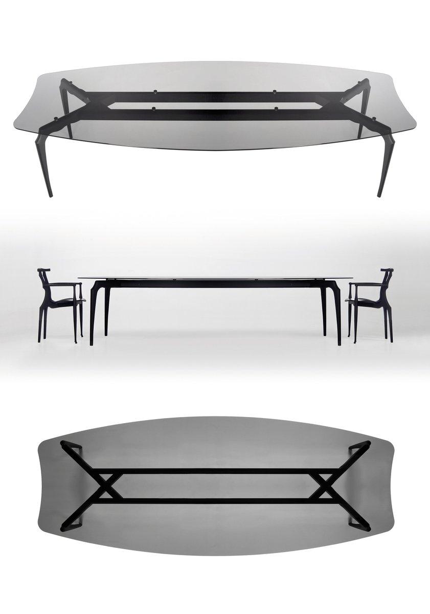 gaulino tisch mit glasplatte und schwarzen beinen von oscar tusquets blanca f r bd barcelona bei. Black Bedroom Furniture Sets. Home Design Ideas