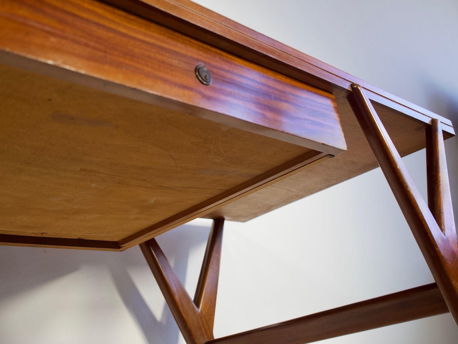 bureau ou table console en acajou avec tiroir et plateau en verre 1950s en vente sur pamono. Black Bedroom Furniture Sets. Home Design Ideas