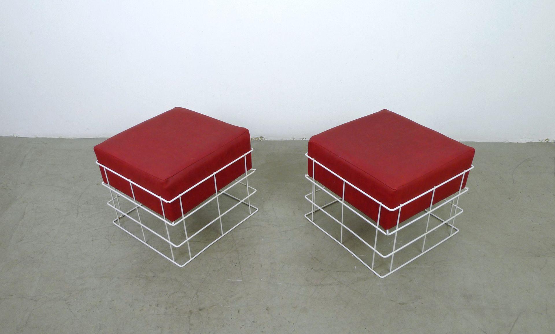 Sgabelli in cavo metallico con cuscini rossi anni set di