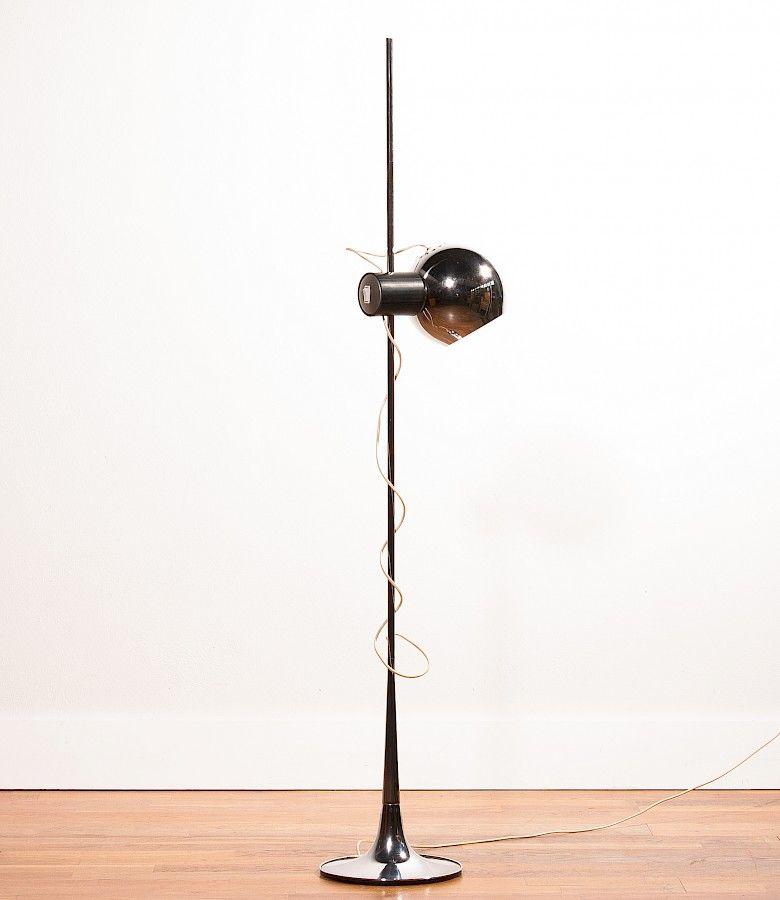 Schwarze Metall Standleuchte von Reggiani Lampadari, 1960er