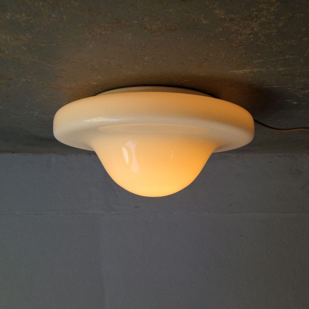 Vintage Deckenlampe in weißem Opalglas