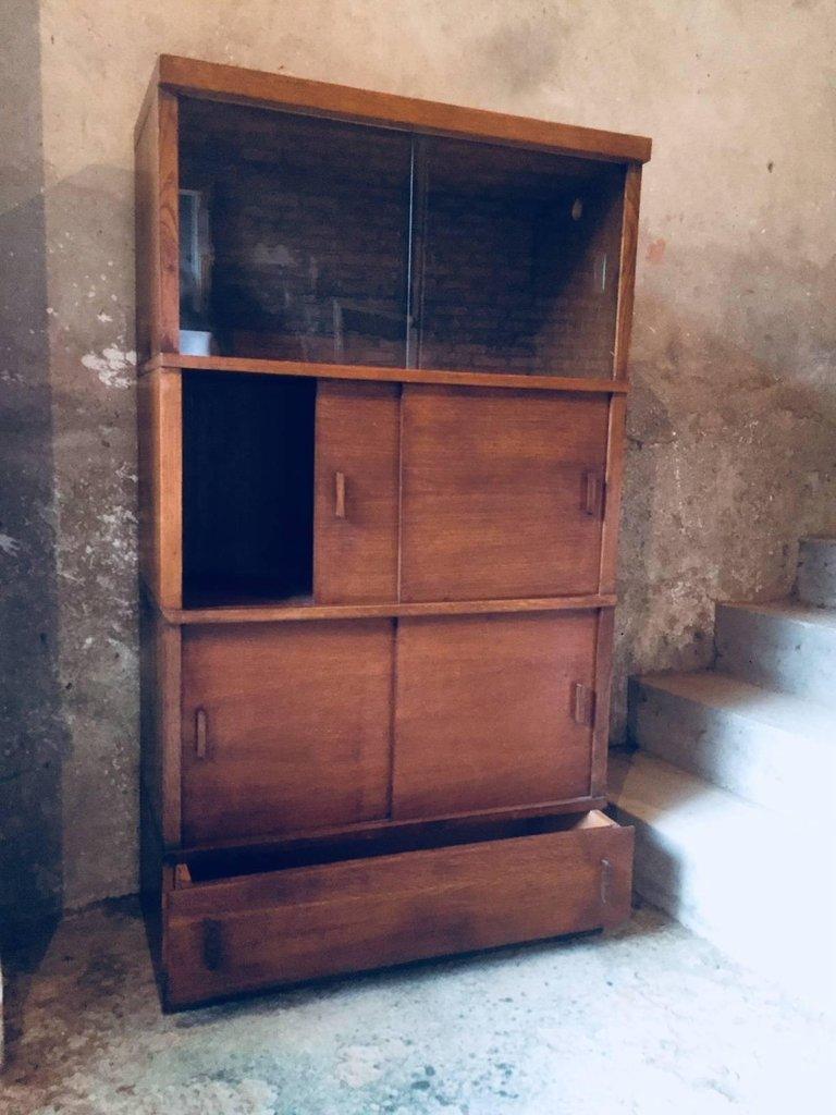 franz sischer mid century b cherschrank mit schiebet ren aus glas 1950er bei pamono kaufen. Black Bedroom Furniture Sets. Home Design Ideas