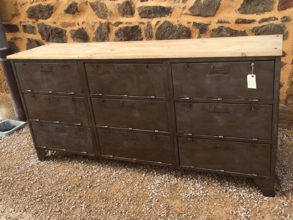 franz sisches industrielles sideboard aus metall holz. Black Bedroom Furniture Sets. Home Design Ideas
