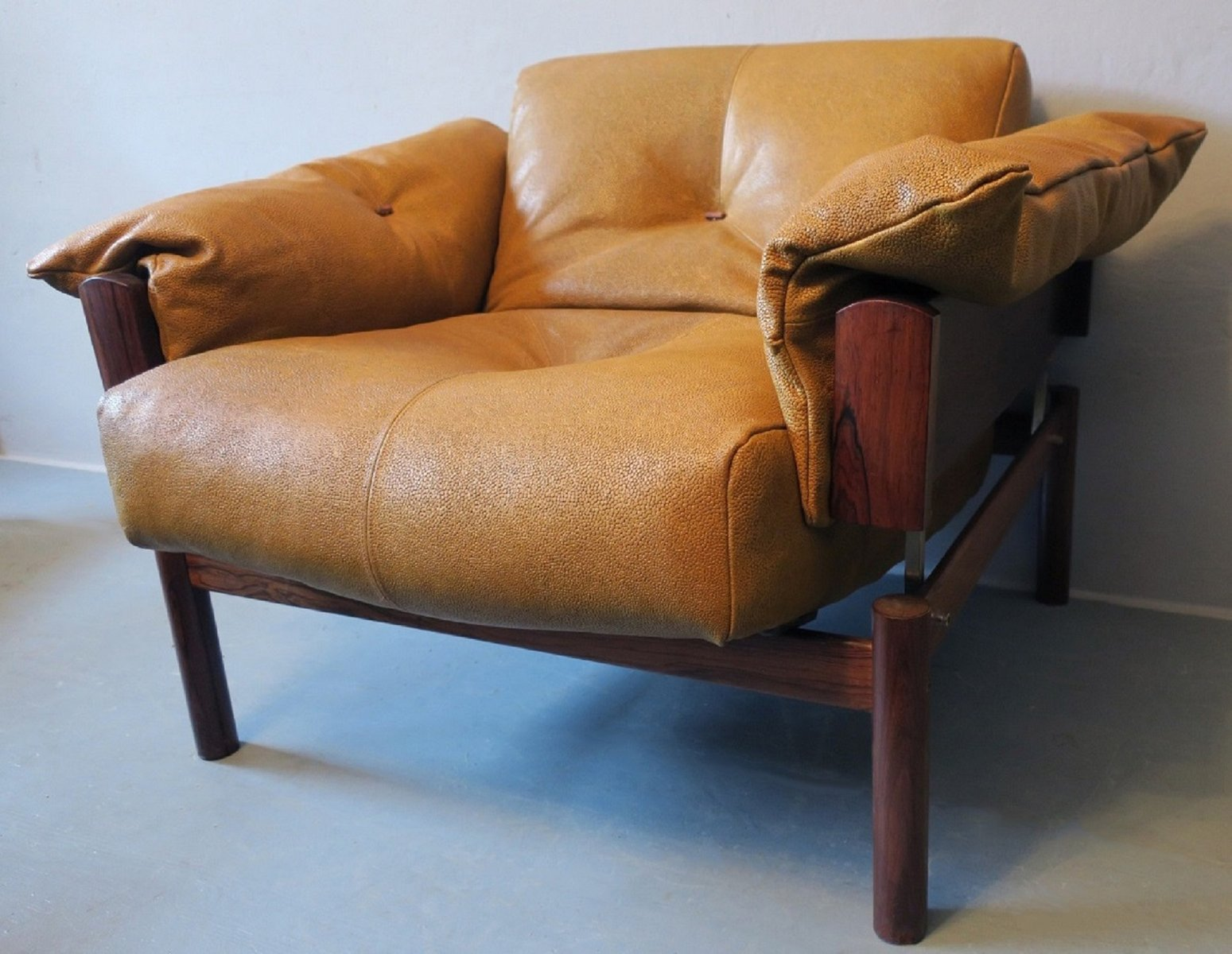 Bon Model MP 13 Brazilian Rosewood U0026 Leather Lounge Chair By Percival Lafer,  1960s