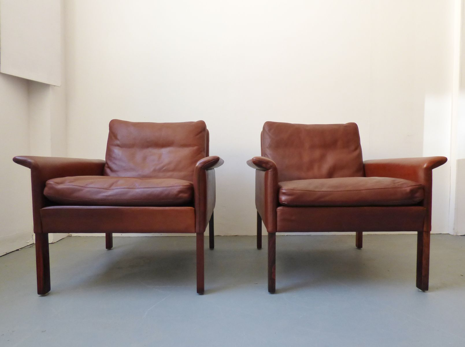 brauner modell 500 leder palisander armlehnstuhl von hans olsen f r skipper 1960er bei pamono. Black Bedroom Furniture Sets. Home Design Ideas