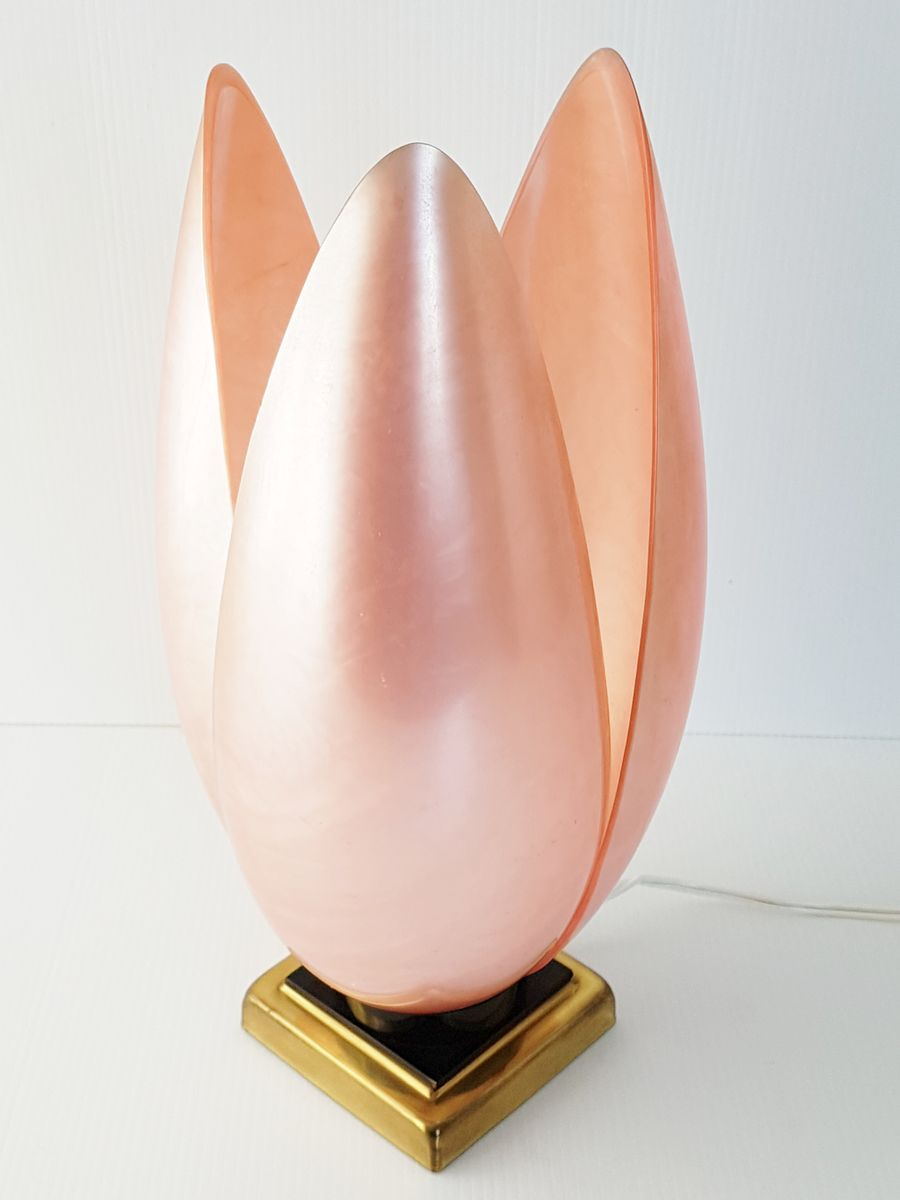 Französische Rosa Plexiglas Tischlampe von Laurent Rougier für Maison ...