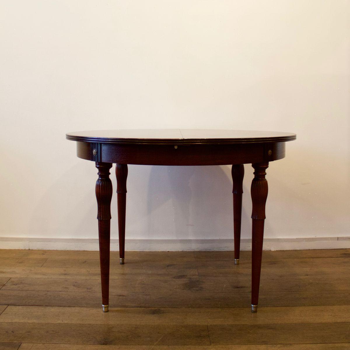 Runder ausziehbarer Tisch, 1950er