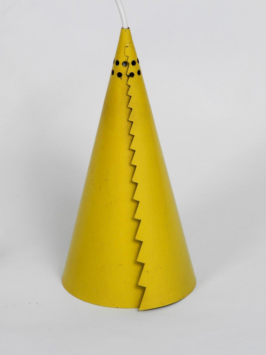 Mid-Century Modern Stahlblech Hängelampe mit konischen gelben Schirmen