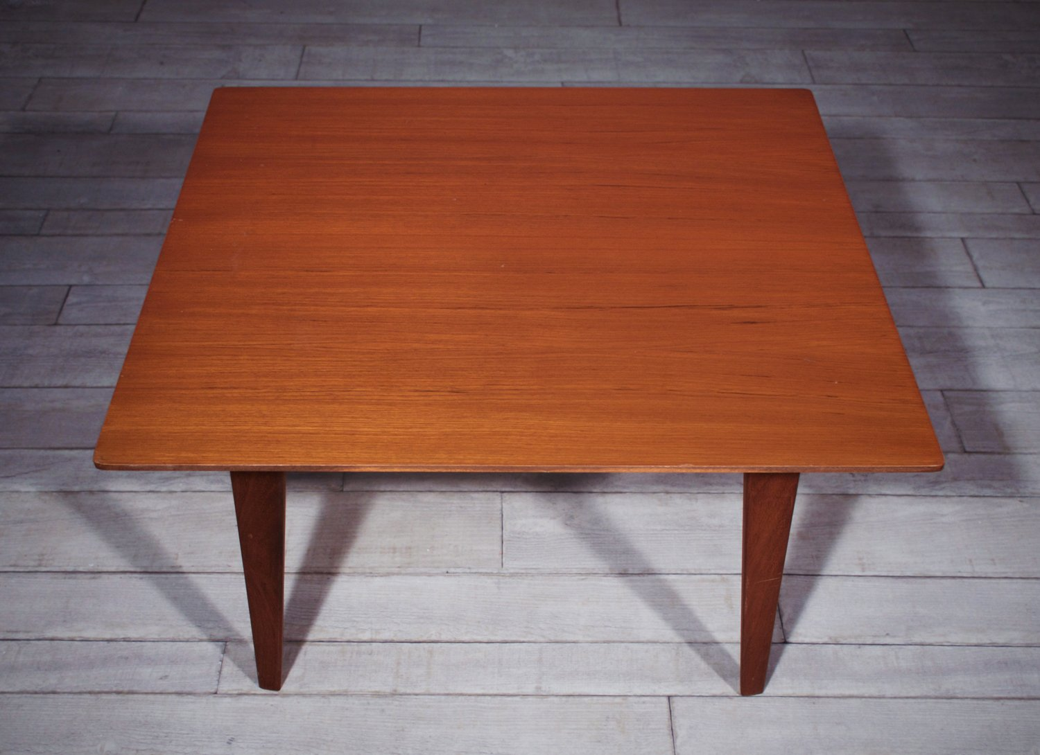 Italian teak wood coffee table by vittorio dassi edmondo for Mobili moderni