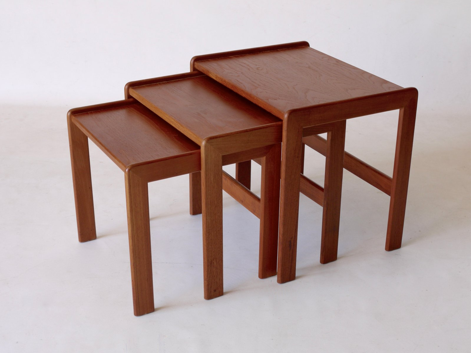Awesome Mid Century Nesting Tables