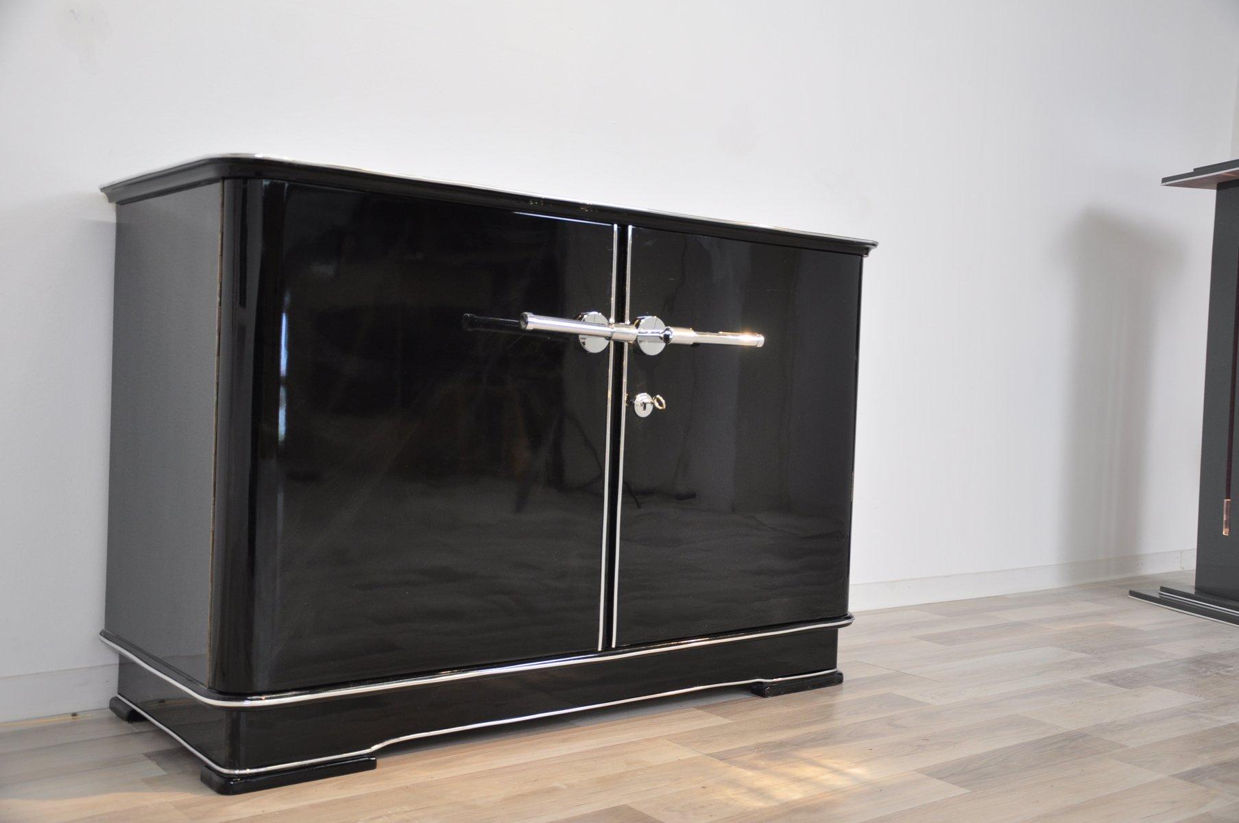 kleine art deco kommode bei pamono kaufen. Black Bedroom Furniture Sets. Home Design Ideas