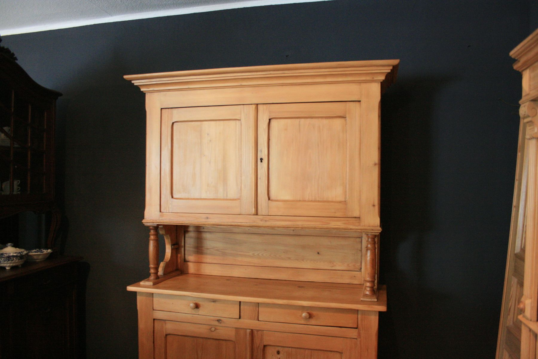 buffet en bois tendre 1880s en vente sur pamono. Black Bedroom Furniture Sets. Home Design Ideas