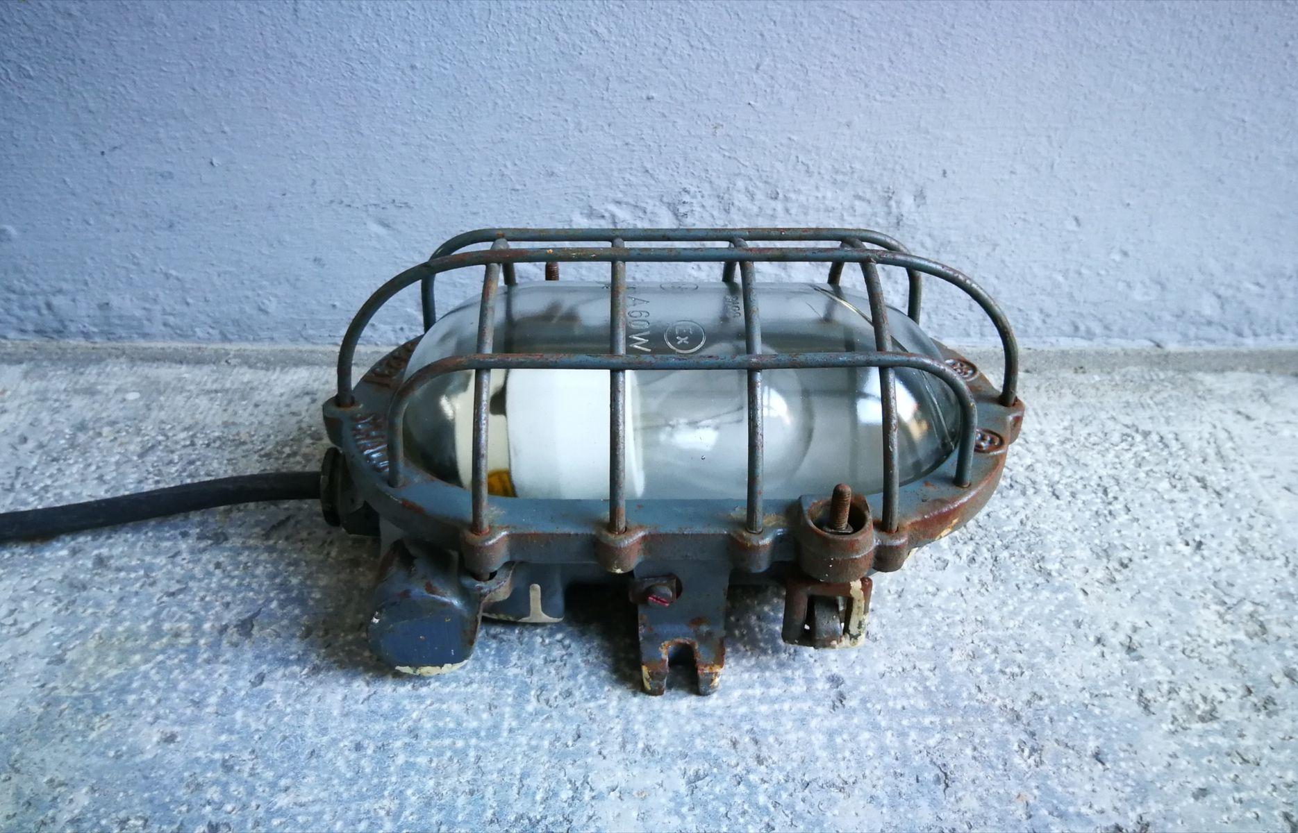 industrielle graue modell e3293 lampe von schaco 1930er bei pamono kaufen. Black Bedroom Furniture Sets. Home Design Ideas