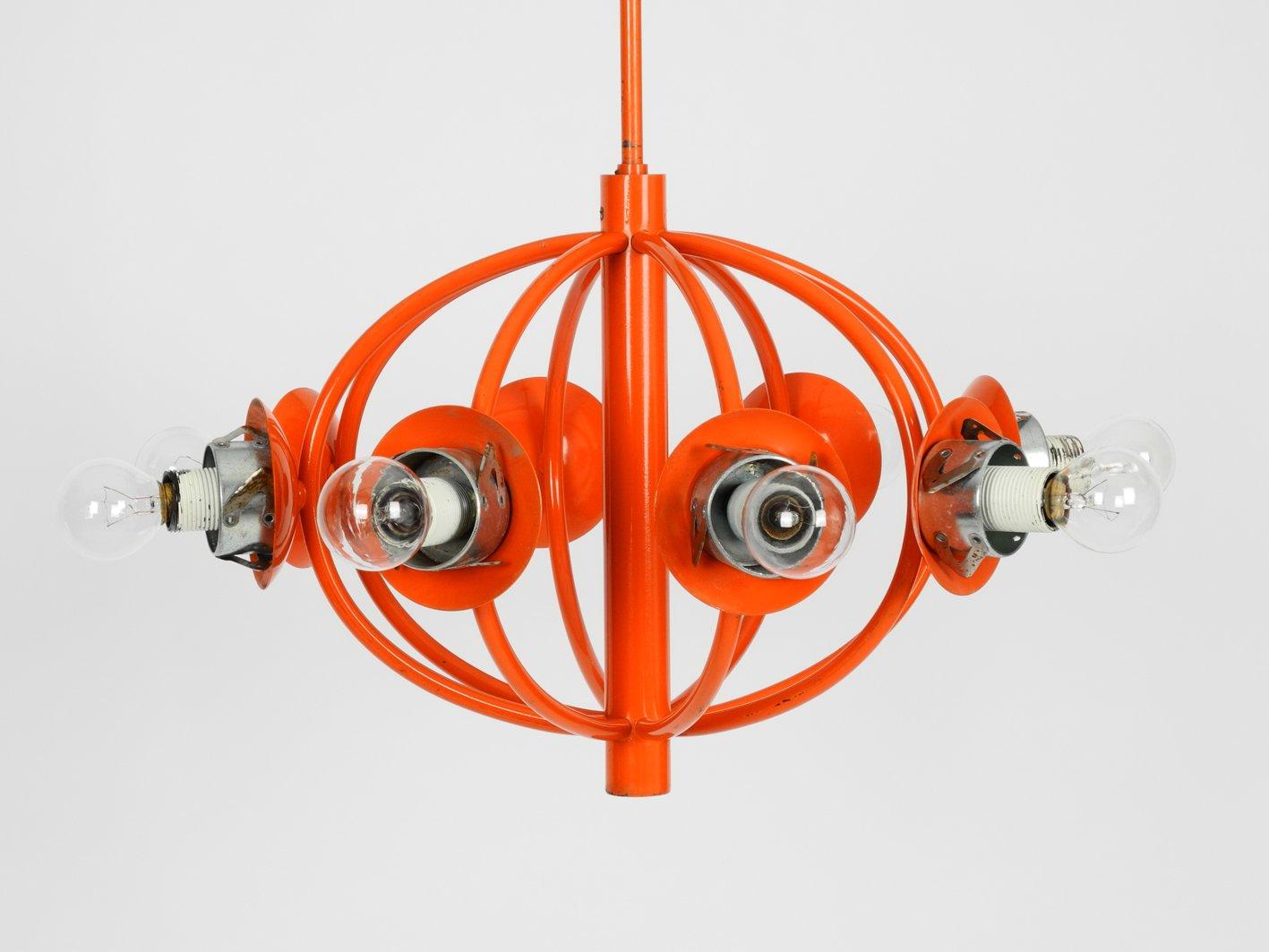 Orangefarbene space age lampe mit 8 opalglas schirmen von for Lampe mit mehreren schirmen