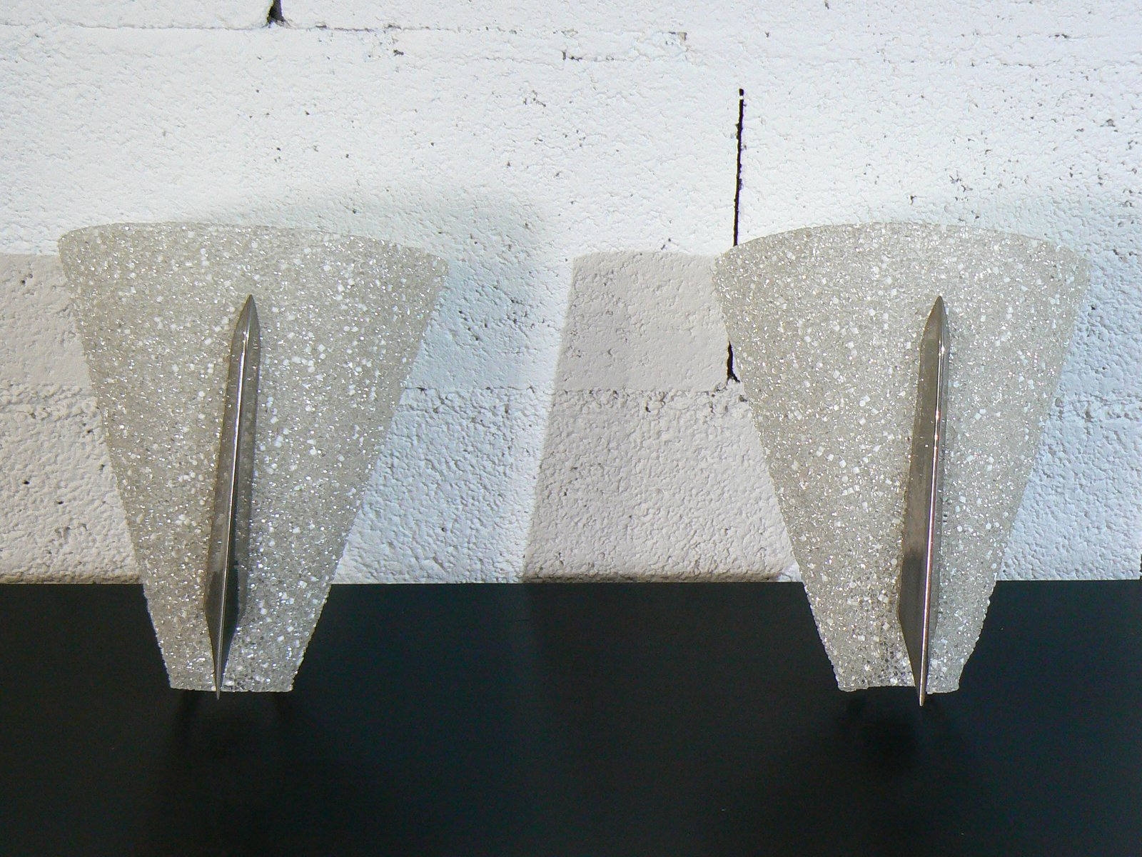Französische Perspex Wandlampen, 1960er, 2er Set