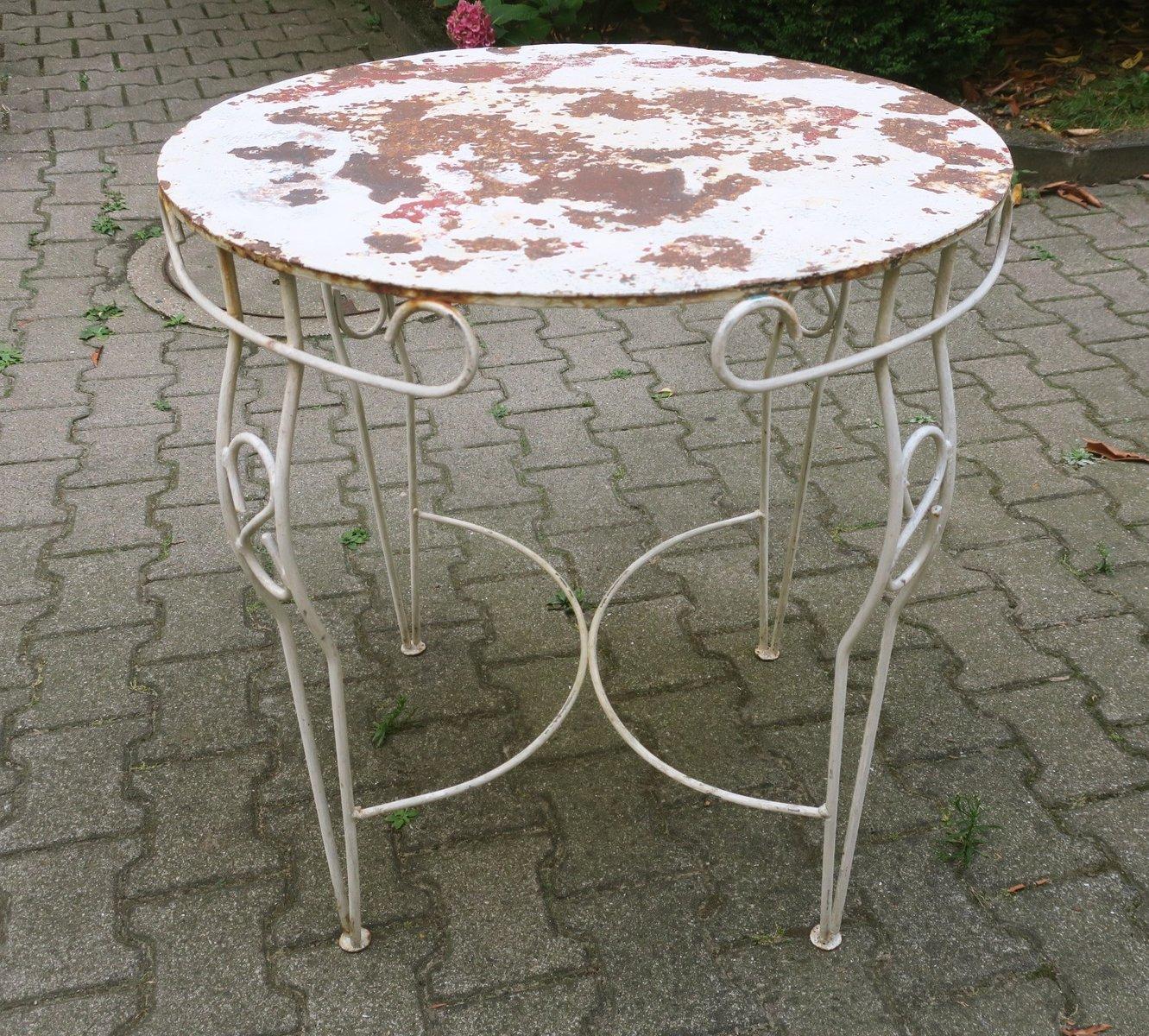 Mid-Century Gartentisch mit lackiertem Metall