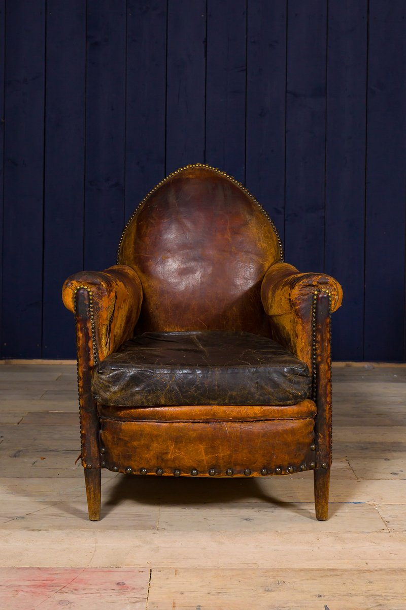 Antique Leather & Brass Studded Club Chair - Antique Leather & Brass Studded Club Chair For Sale At Pamono