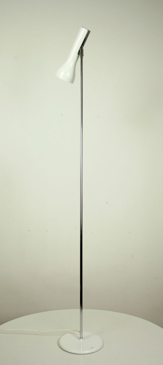 Minimalistische verchromte Mid-Century Stehlampe mit verstellbarem wei...