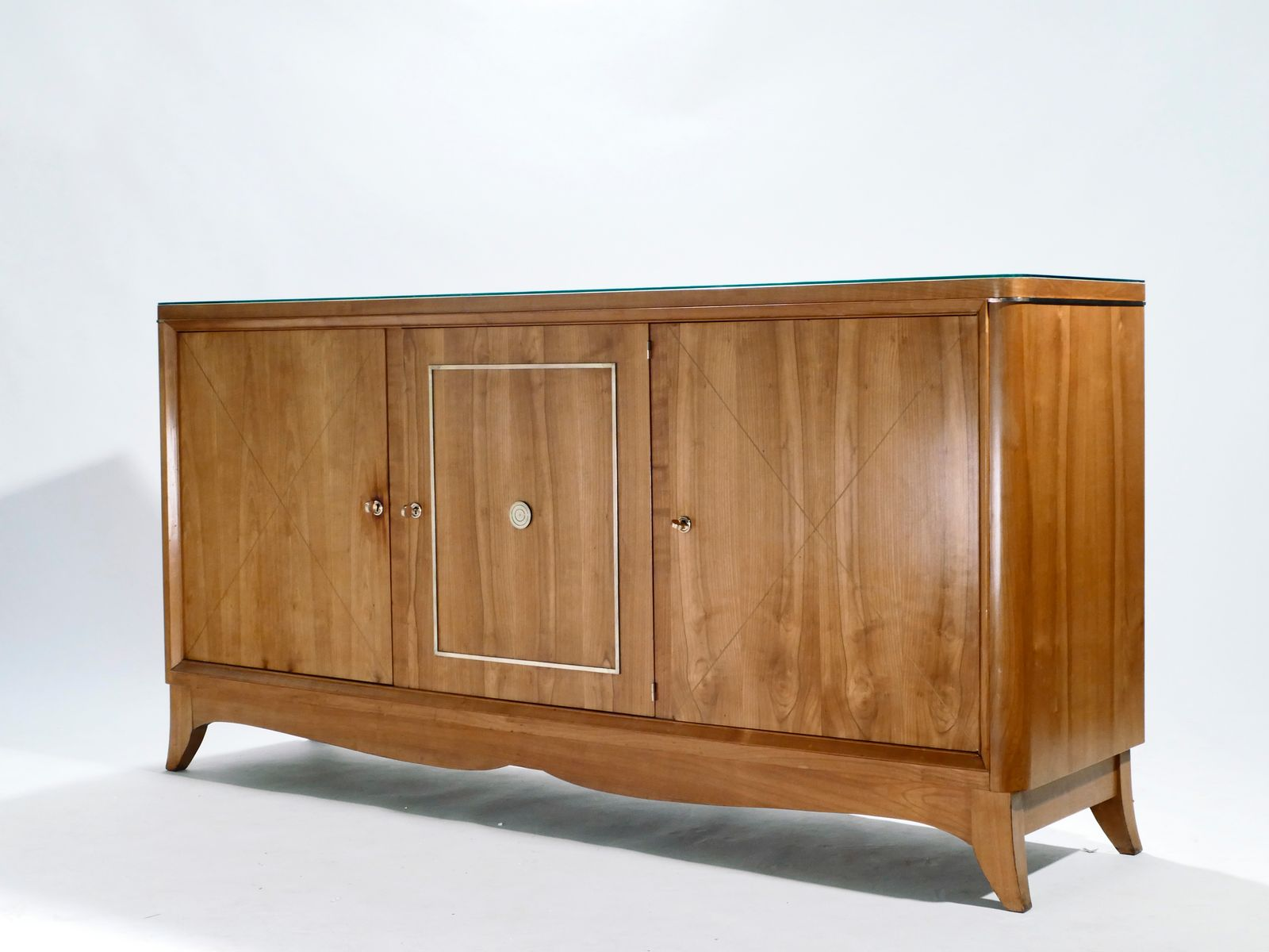 Credenza Moderna Ciliegio : Credenza modernista in legno di ciliegio e ottone jacques adnet